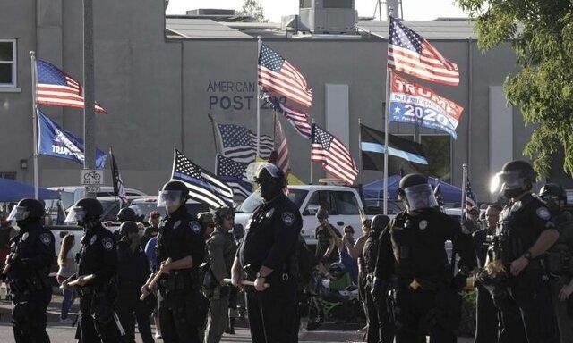 دستگیری چند تن طی درگیری تظاهرکنندگان با پلیس در پورتلند آمریکا